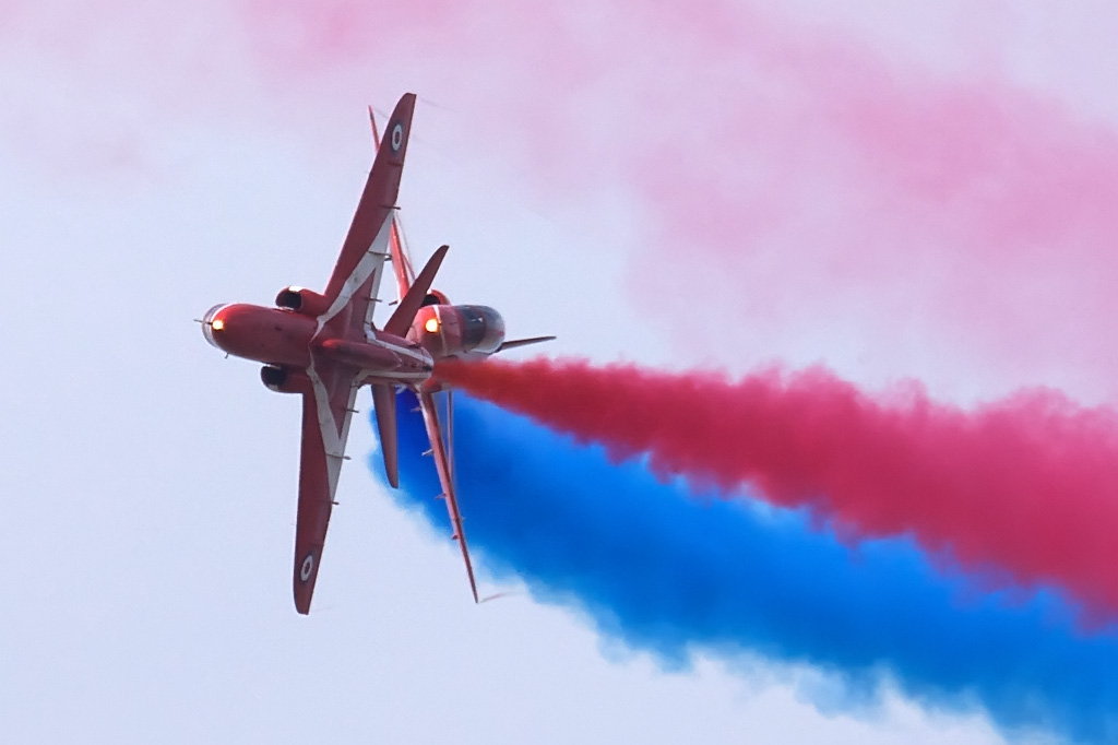 NEWS: Red Arrows to return to the Wales Airshow