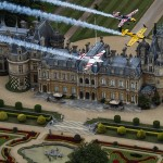 NEWS: British pilots Lamb and Bonhomme warm-up for Red Bull Air Race with UK Recon Flight