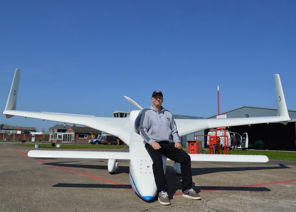Dan Gay and his Long-Ez at Seething Airfield